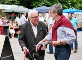 Wolfgang Püschel kämpft am Bauernmarkt um eine Stimme | Bundestagswahlkampf 2017